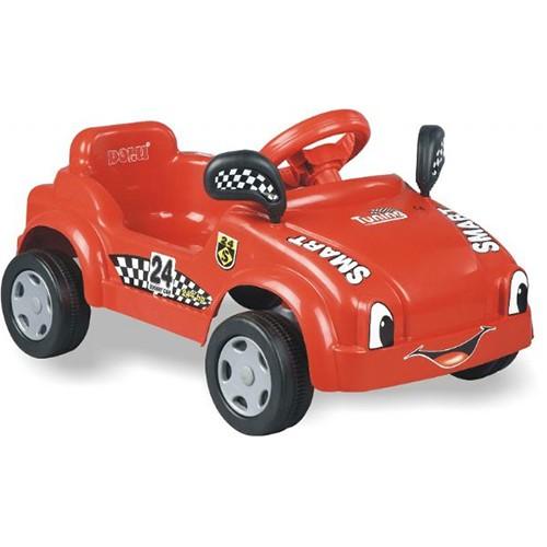 Auto pequeño a pedales